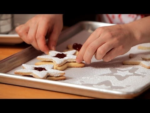 How to Make Linzer Cookies Christmas Cookies