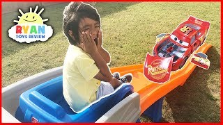 CARS 3 Crazy Crash & Smash Step2 Roller Coaster Extreme Thrill Ride