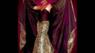 Watch Shirley Bassey Razzle Dazzle video