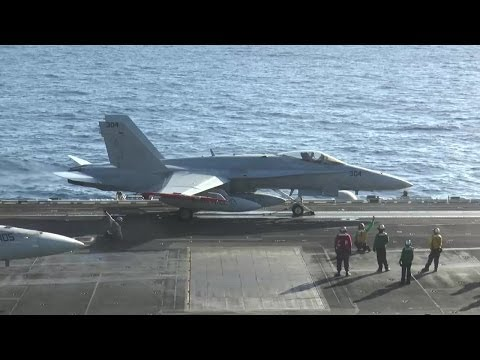 Boeing - F/A-18E/F Super Hornet Fighters On USS George H.W. Bush (CVN 77) [720p]