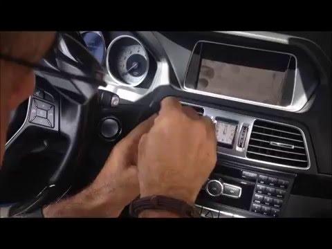 How to Remove Uninstal Mercedes E Radio Comand Navigation CD Changer