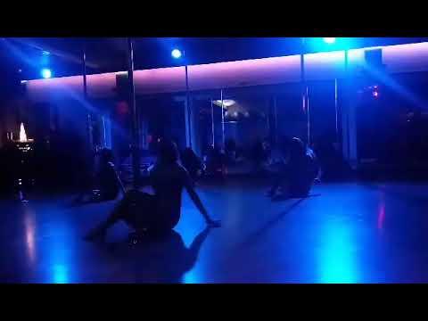 Pokaz Pole Dance W Klubie TAURUS Fitness&spa