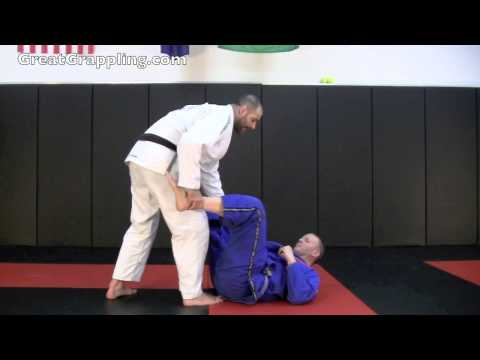 Open Guard Defense Defense to the De La Riva Hook