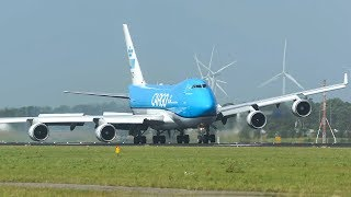 TOP 10 CROSSWIND LANDINGS of 2019 - AIRBUS A380, BOEING 747, GO AROUND ... (4K)
