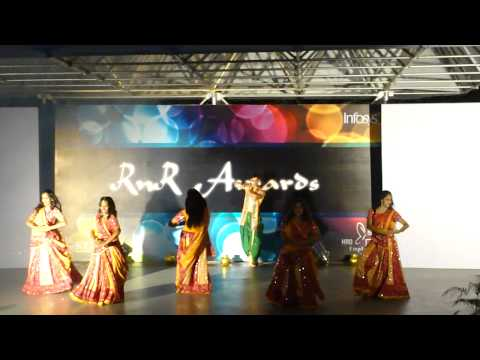 Radha Kaise Na Jale Dance Performance video