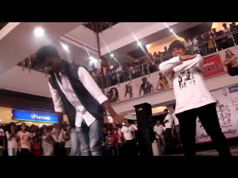 Super Souls Flash Dance At City Centre Mall, Mangalore video