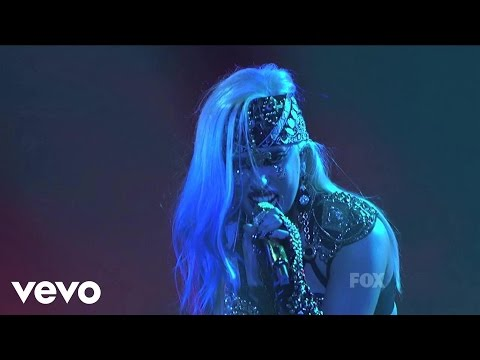 Lady Gaga - The Edge of Glory - (Live on American Idol)