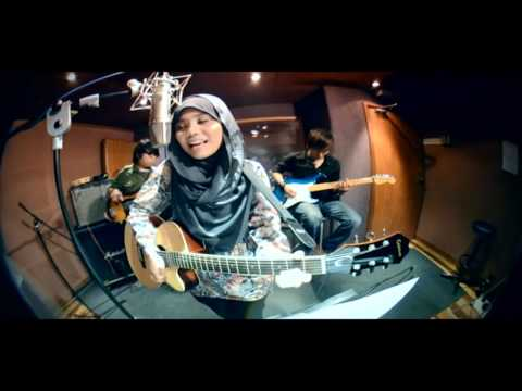 Cinta Muka Buku Official Video Clip - Najwa Latif video