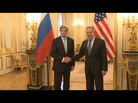 Russian Foreign Minister Sergei Lavrov and US Secretary of State John Kerry meet in Paris