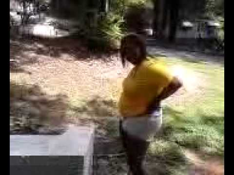 Girl fake peeing