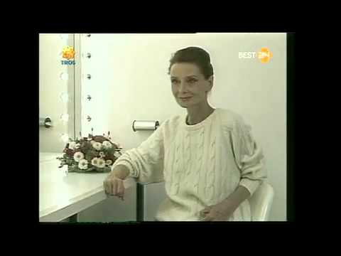 Audrey Hepburn  Speak Dutch in a Interview.