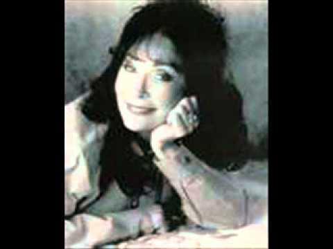 Loretta Lynn - I Walk Alone