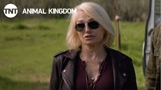 Animal Kingdom: Smurf Goes For A Ride - Season 2, Ep. 5 [CLIP] | TNT