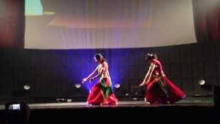 O Re Piya and Nagada Sang Dhol Dance Performance