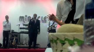 Sinan Vllasaliu - Pellumb i bardh Live 2012 New