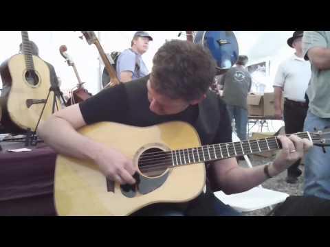 Bryan Sutton Merlefest 2011, Vintage Corner booth, Q3HD zoom