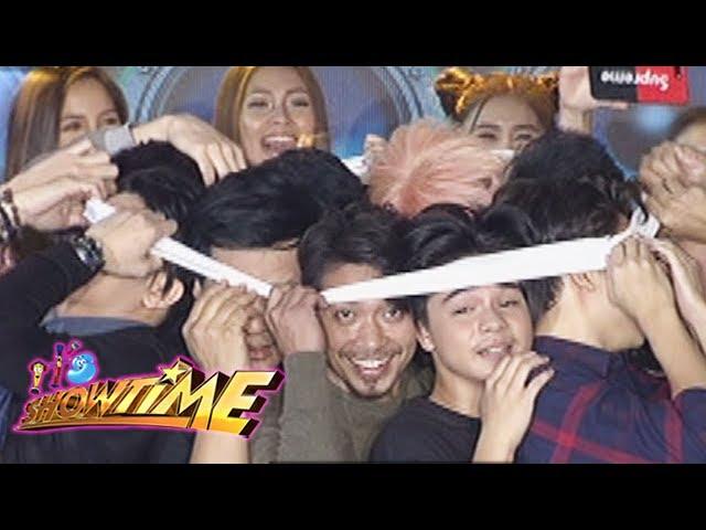 It's Showtime: Team Vice's heads inside a garter