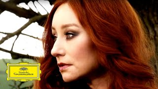 Watch Tori Amos Carry video