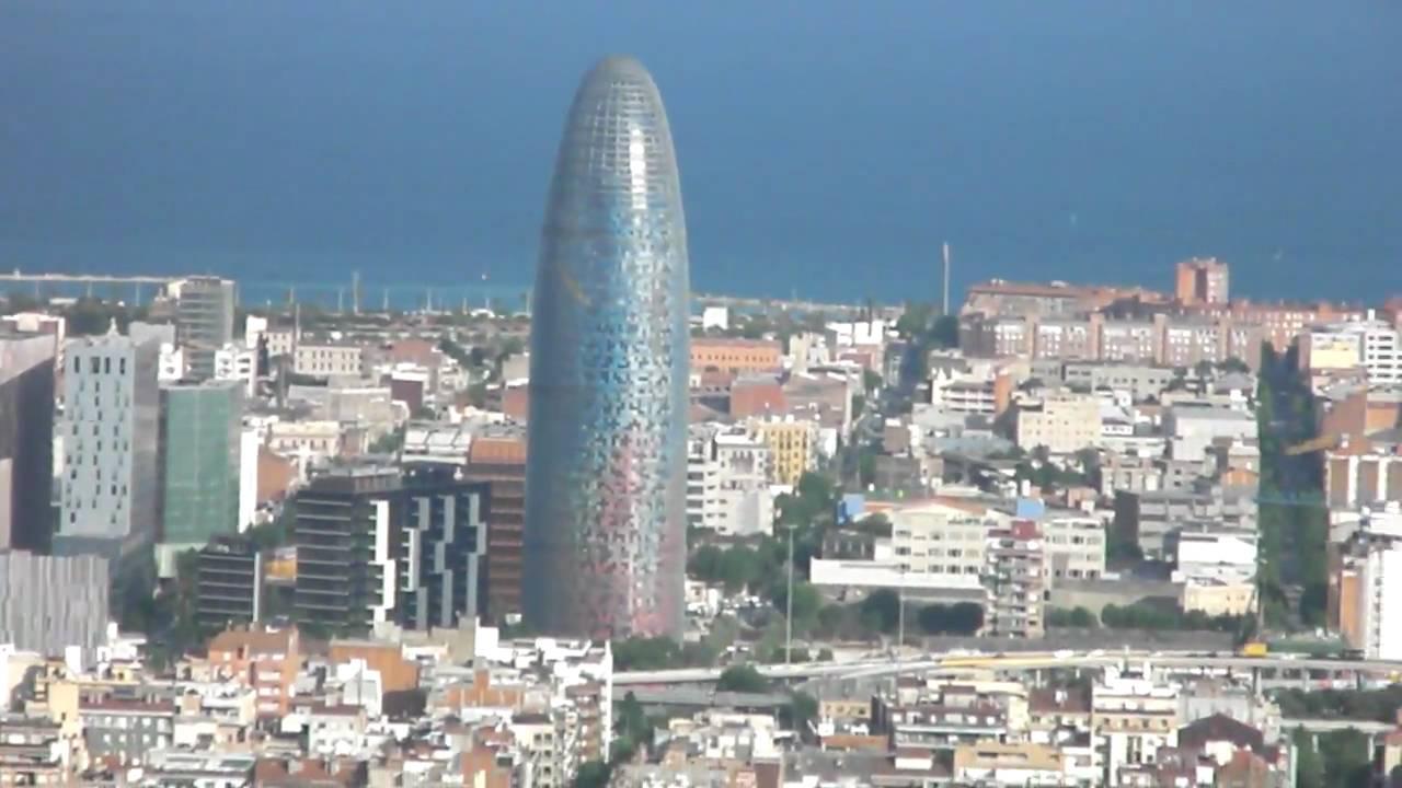 Vista aerea de barcelona desde la monta a del carmel youtube for Aereo barcelona paris