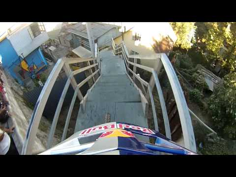 Winning run in an Insane urban downhill track VCA/Chile 2013 By Marcelo Gutierrez