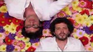 Flight of the Conchords - A Kiss Is Not A Contract