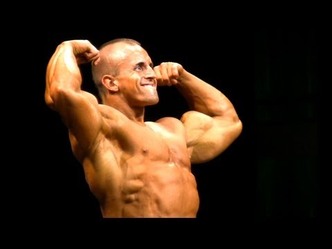 BEING A BODYBUILDER #34: 21 YEAR-OLD JOE SEEMAN AT THE 2013 TORONTO PRO SUPERSHOW