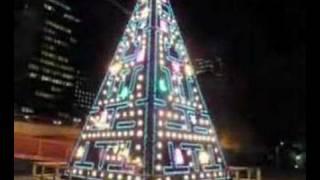 Thumb Freak: Árbol de Navidad al estilo Pac-Man en Madrid