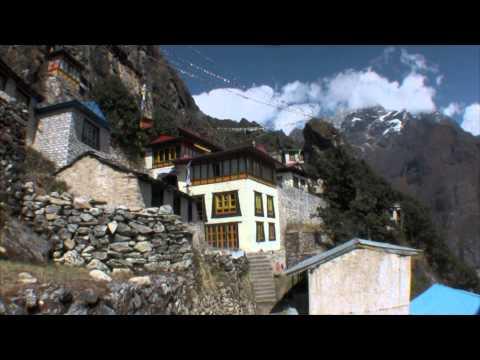 Nepal. Walk in the Mount Everest region. Jiri. Dudh Kund. Kongde. Renjo La. Gokio Lakes. GorakShep.