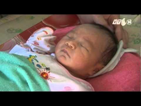 VTC14_Gia đình cháu bé bị chôn sống muốn nhận lại con