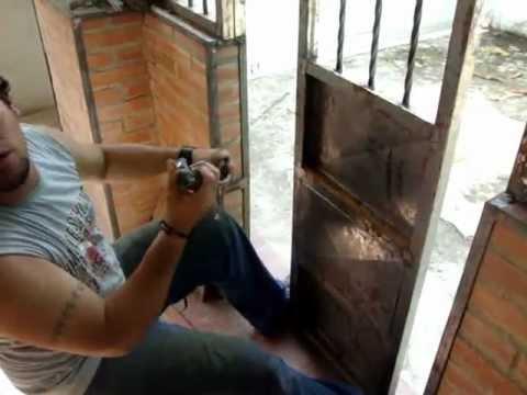 Entamborado de puerta de metal youtube - Molduras para puertas ...