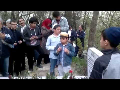 Mustafa Sungur Ağabeyin Kabri Başında Risale-i Nur  Ezberleri 1