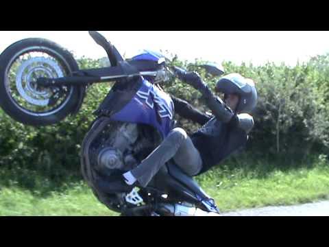 Yamaha XTX 660 Wheelie