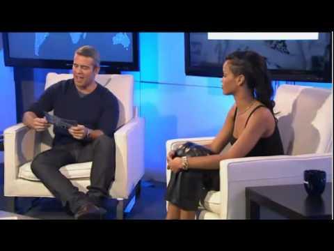 Rihanna Live Facebook Chat talks chris brown,nicki minaj,eminem & more!!