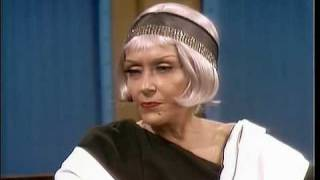 Gloria Swanson bitches about romanceless marriages