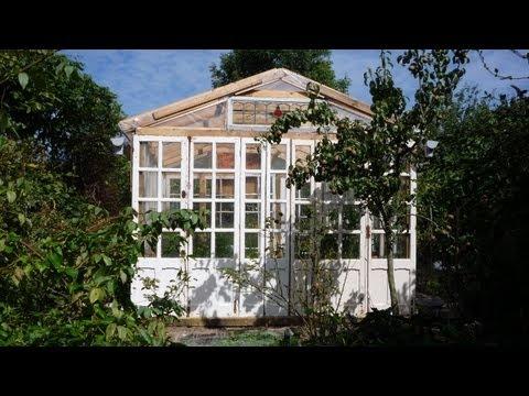 DIY Big Cheap Glass Greenhouse. Grande serre en récup. Gran invernadero de mat