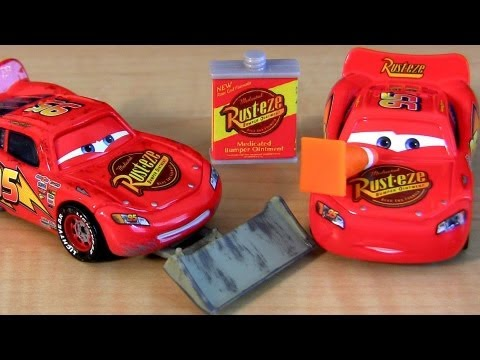 5 Lightning McQueen CARS Collection with shovel, cone & Lenticular eyes Disney Pixar toys review