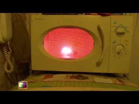 Лампочка в микроволновке  light bulb in the microwave joke  прикол ржач 2014