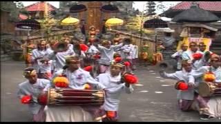 Kreasi Baleganjur Sekehe Gong Jenggala Gora Desa Adat Tegal Linggah Gianyar