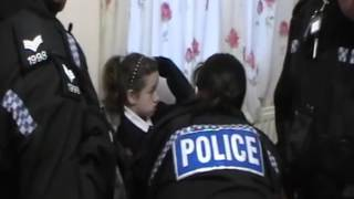 UK police is busy helping corrupt social workers to take the child hostage