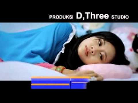Dilla Novera - Rindu Takubua Dalam video