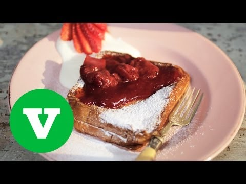 Strawberry And Rhubarb French Toast Sandwich: We ♥ Food S02E2/8