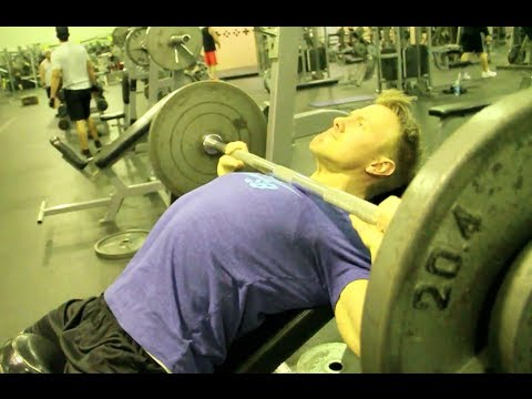 Rob Riches Chest Workout In Las Vegas 2014 video