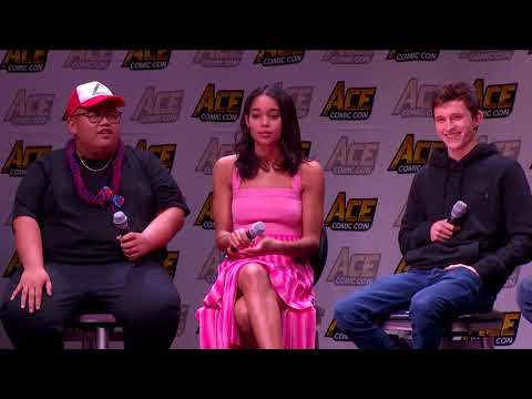 Spider-Man: Homecoming Panel w/Tom Holland, Laura Harrier & Jacob Batalon - ACE Comic Con AZ thumbnail