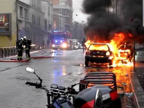 Car burning in Paris