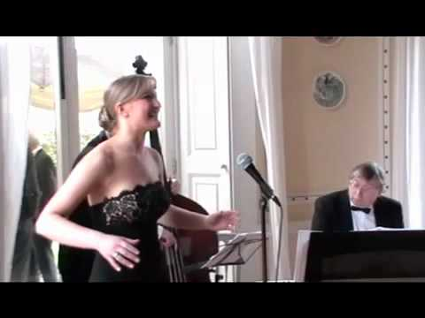 Wedding Singer Cheshire - Helen Blake - Cheek To Cheek