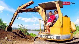 Excavator | Digger Excavator Digging Loading Dirt Into Dump Truck ✔️