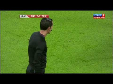 """Пенальти Роналдиньо в матче """"Англия - Бразилия"""" 0:0"""