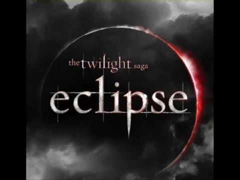 Twilight Saga : Eclipse Bella and Edward have been reunited, but their forbidden relationship is threatened to be torn apart again by an evil vampire still s...