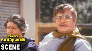 Amrish Puri Gopalakrishna Paruchuri Discuss Politics || Major Chandra Kanth Scene