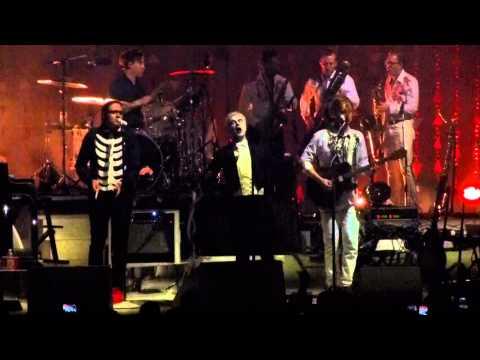 Arcade Fire w/David Byrne - Dream Baby Dream